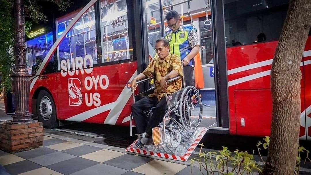 Bus Suroboyo Ramah Diffabel