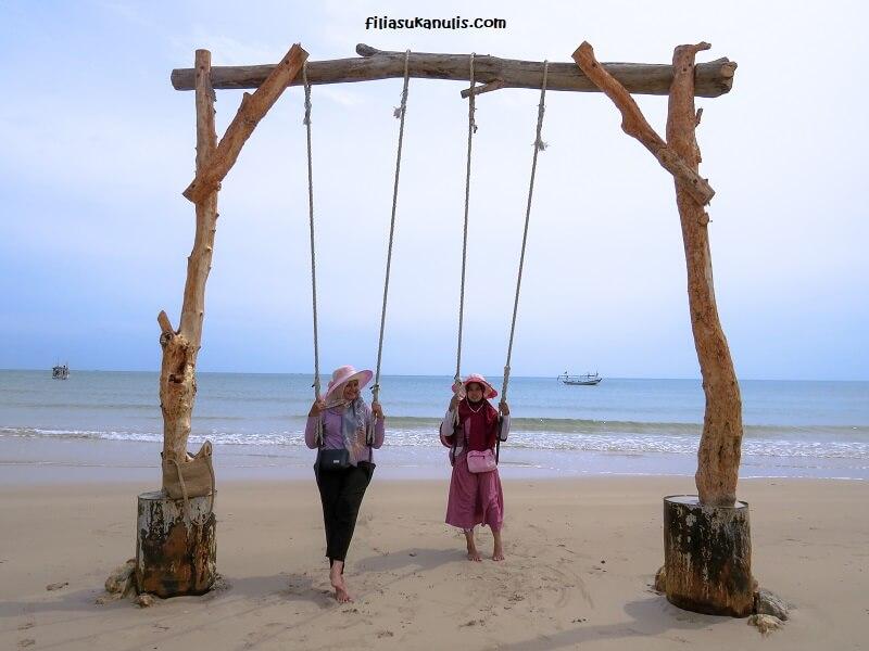 Wisata Pantai Bangkalan