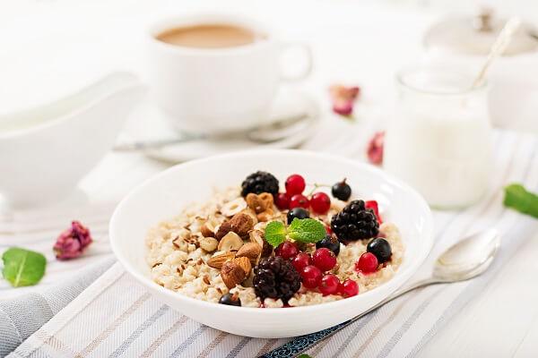 Makan makanan berserat